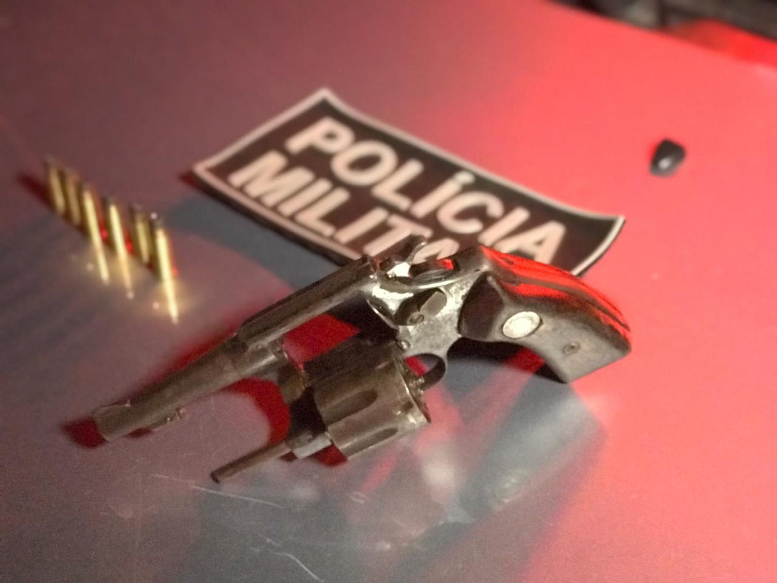 Homem é preso após vítima reagir a assalto, tomar arma e imobilizar suspeito em Araguaína