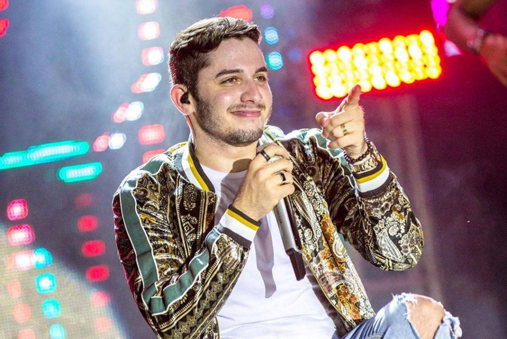 Jonas Esticado faz a abertura do Carnaval de João Pessoa