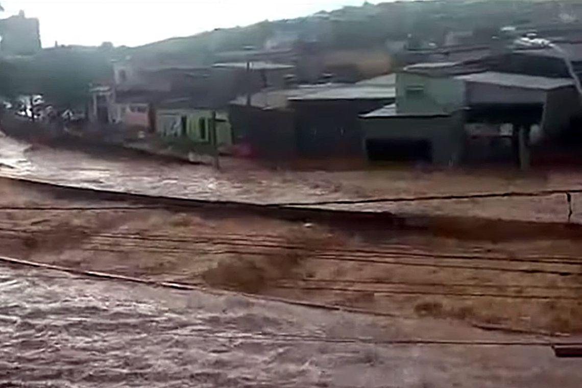 Governo disponibiliza R$ 90 milhões para regiões atingidas por chuvas
