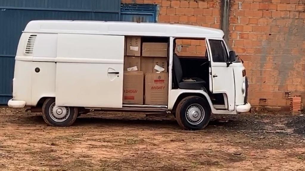 Dois são presos em Araguaína suspeitos de transportar e comercializar cigarros contrabandeados do Paraguai