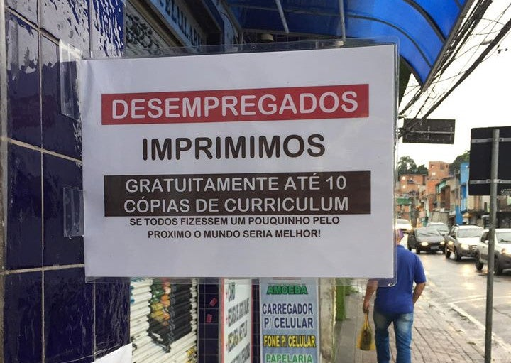 Papelaria de Barueri que imprime de graça currículos para desempregados viraliza