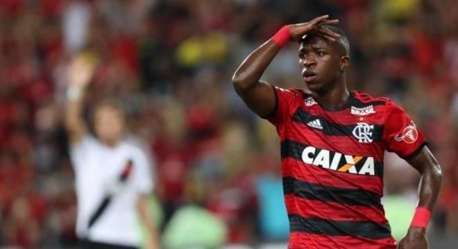 Caixa rompe vínculo com clubes de futebol e economiza R$ 195 milhões