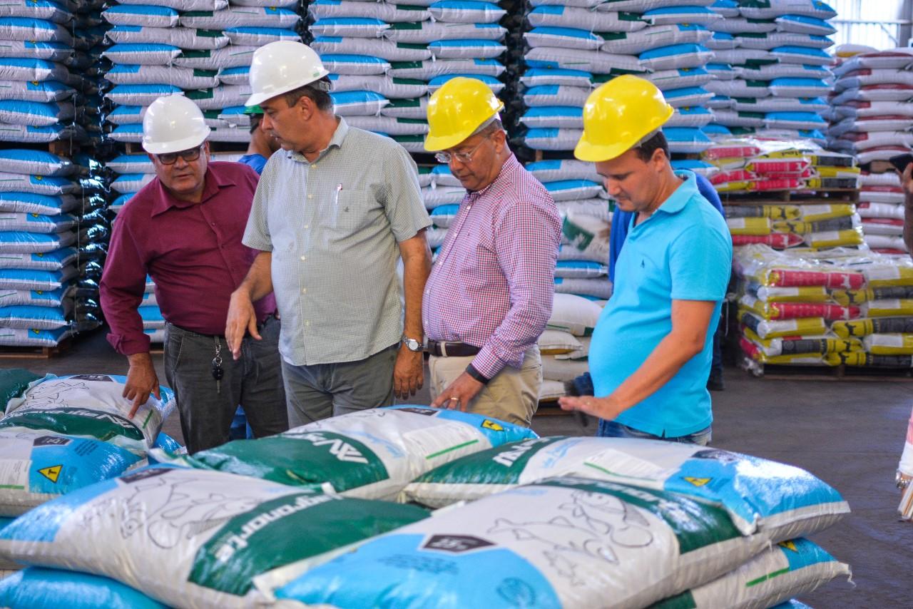 Na região norte do Tocantins, Governo visita a maior fábrica de carvão ativado do Brasil