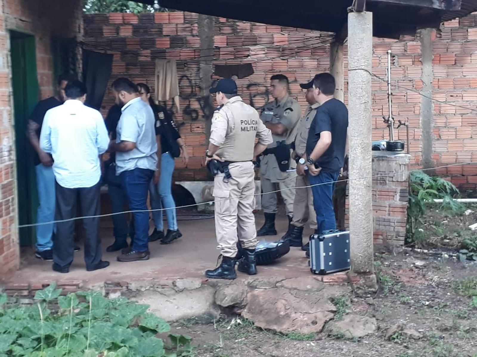 Dois homens são mortos a tiros dentro de casa em Gurupi