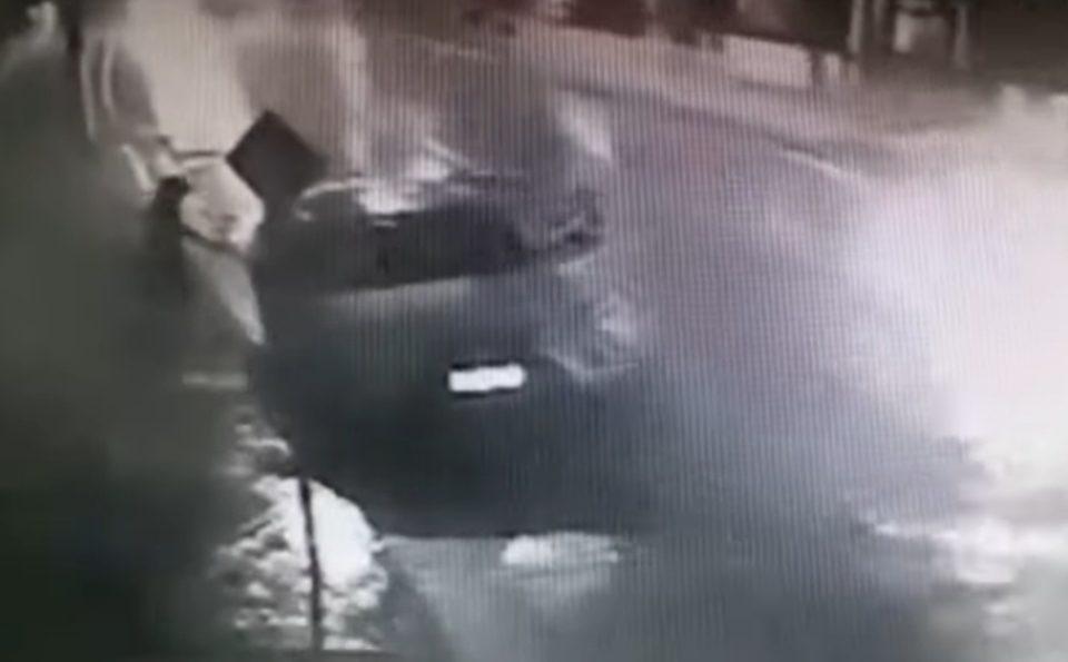 Vídeo: Câmeras flagram estuprador entrando em carro de jornalista que teve dedo decepado