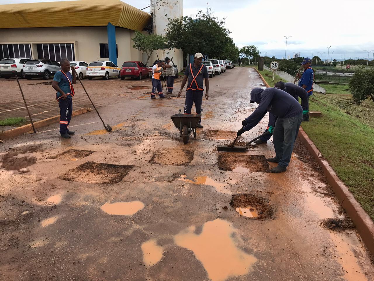 Governo realiza manutenção de estacionamentos de prédios públicos de Palmas
