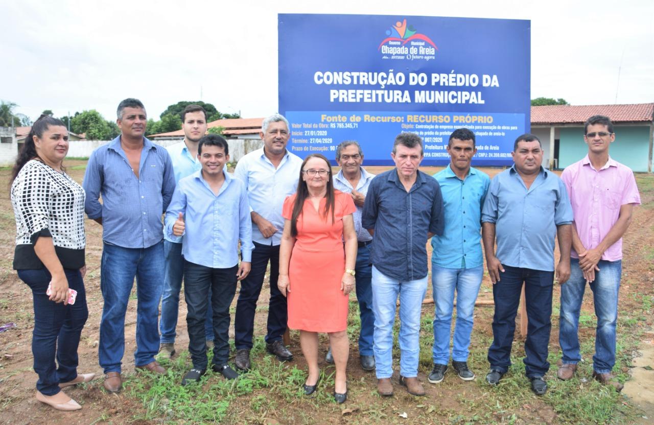 Prefeita Maria de Jesus assina ordem de serviço para construção da nova sede da Prefeitura de Chapada de Areia