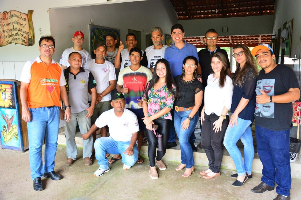 Vice-prefeito Celso Morais faz visita a Associação Cristã Jovens de Valor