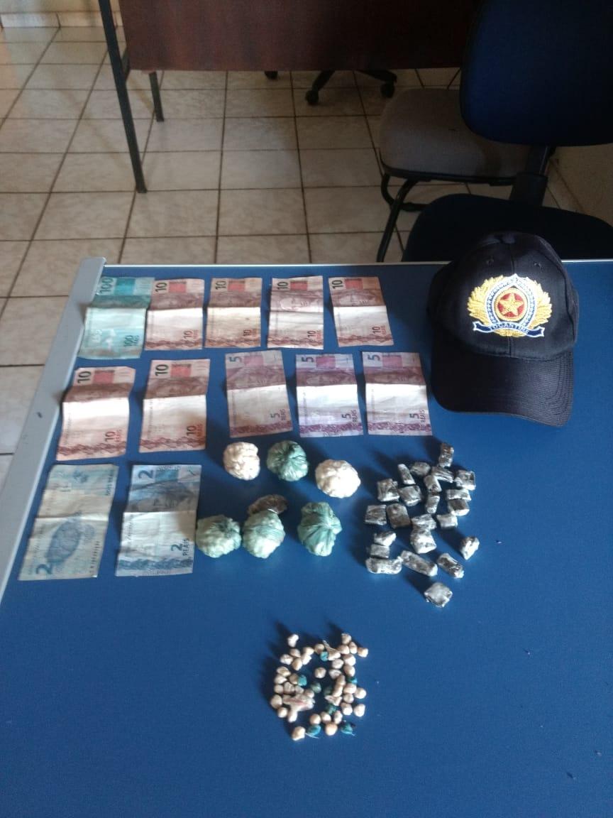Mais de 600 papelotes de drogas foram apreendidos pela PM em Pindorama