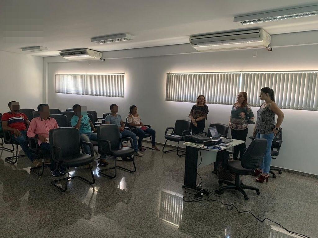 Palestra sobre gênero e violência contra mulher foi realizada com participantes do Circuito Integrado de Atenção ao Agressor em Porto Nacional