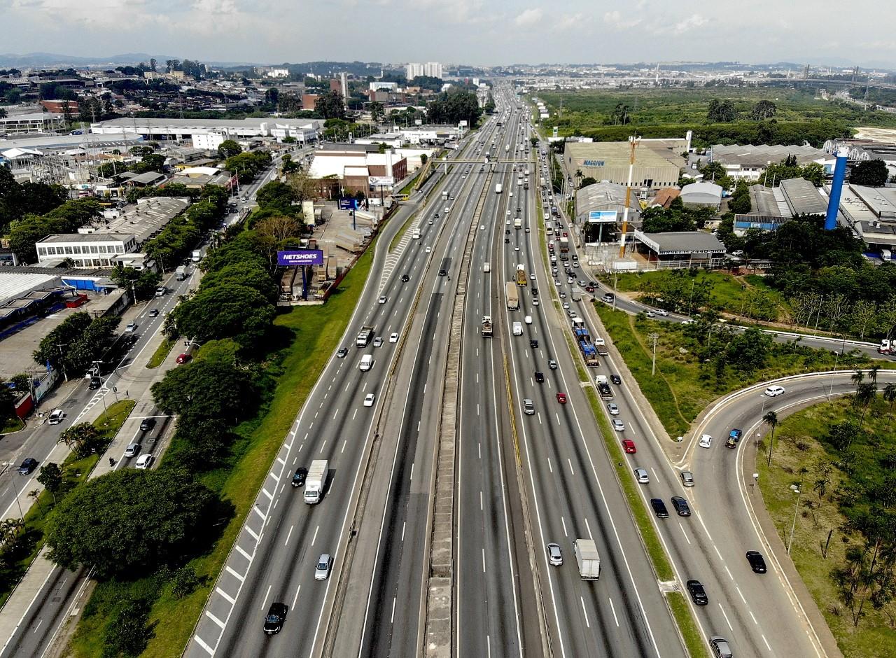 A mais importante rodovia do país completa 69 anos