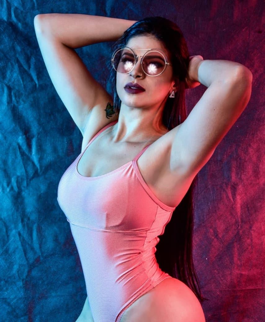 Das arquibancadas para o mundo fitness, conheça Andressa Aguiar