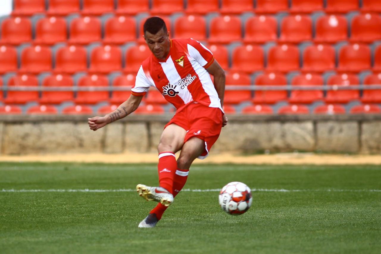 Atacante Welinton Junior chega a dez gols pelo Desportivo Aves e se consolida no futebol europeu