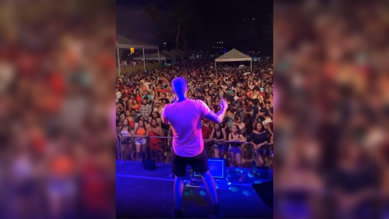 CarnaPraça levou mais de 20 mil foliões para a Praça dos Girassóis