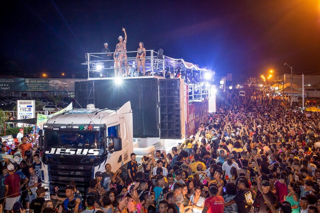 3° dia de folia em Gurupi teve Lambasaia, desfile de blocos tradicionais, festival kids e muito mais