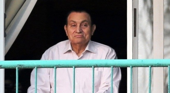 Após cirurgia, ex-presidente do Egito Hosni Mubarak morre aos 91 anos