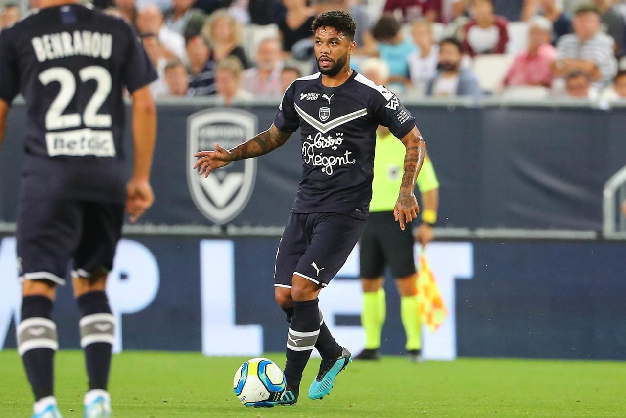 """Querendo manter invencibilidade no Campeonato Francês, Otávio projeta duelo do Bordeaux com o PSG: """"Jogo diferente"""""""