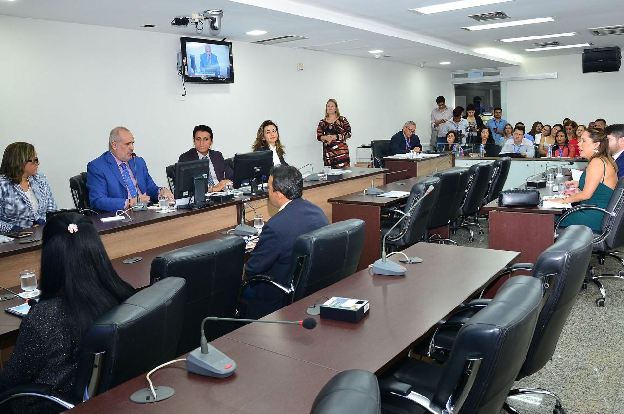 Durante prestação de contas, parlamentares questionam secretário estadual da Saúde