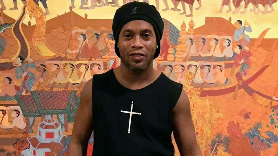 Ronaldinho Gaúcho vira réu em ação coletiva que pede R$ 300 milhões por pirâmide