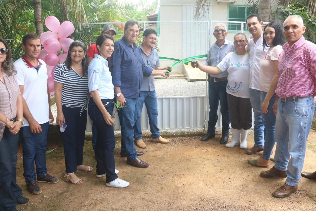 Caso de sucesso, mini-indústria de processamento de frutos é inaugurada em Barrolândia