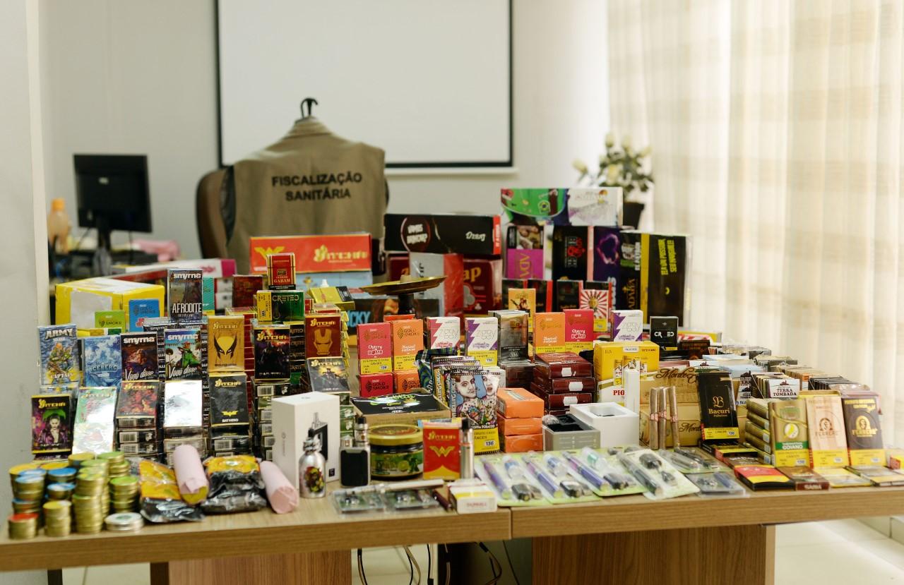 Vigilância Sanitária de Palmas apreende cigarros eletrônicos e derivados de tabaco comercializados irregularmente