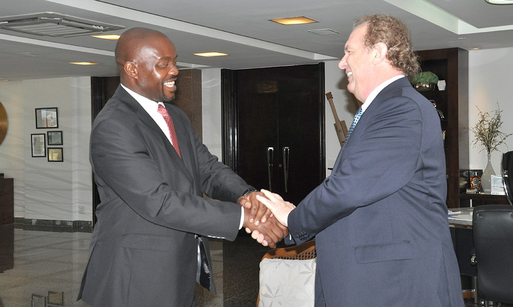 Governador Mauro Carlesse e embaixador da África do Sul discutem intercâmbio comercial e cooperação tecnológica