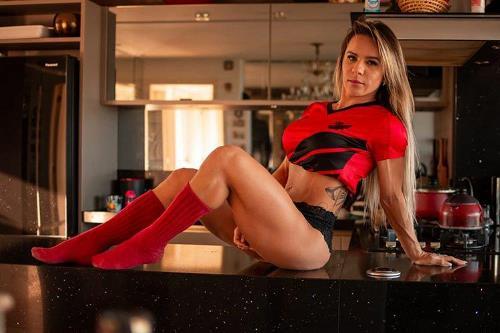 Nai Oliveira faz sucesso como atleta fitness