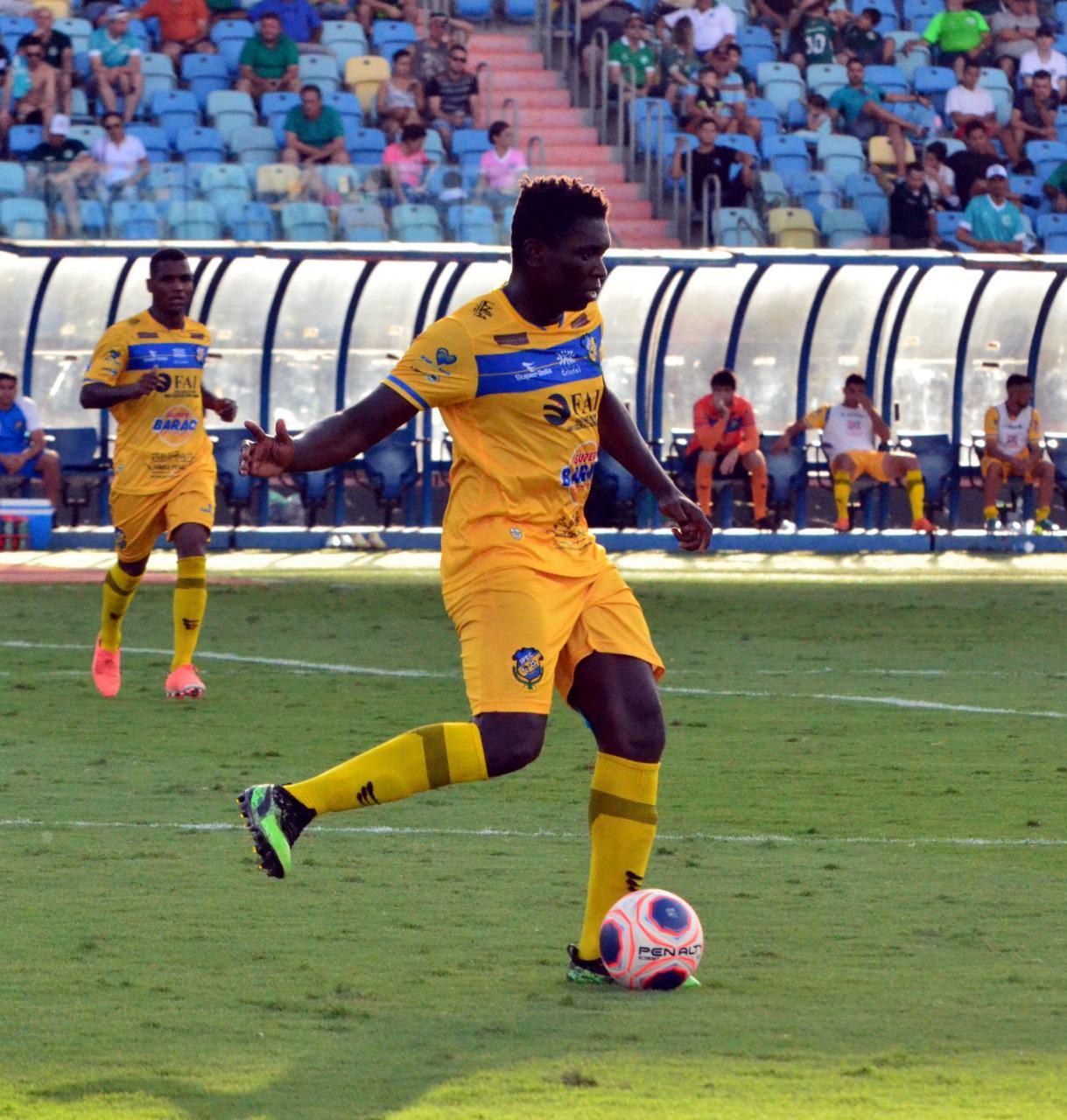 """Ex-Vasco, Jomar agradece oportunidade no Iporá e valoriza primeira experiência no futebol goiano: """"Positiva"""""""