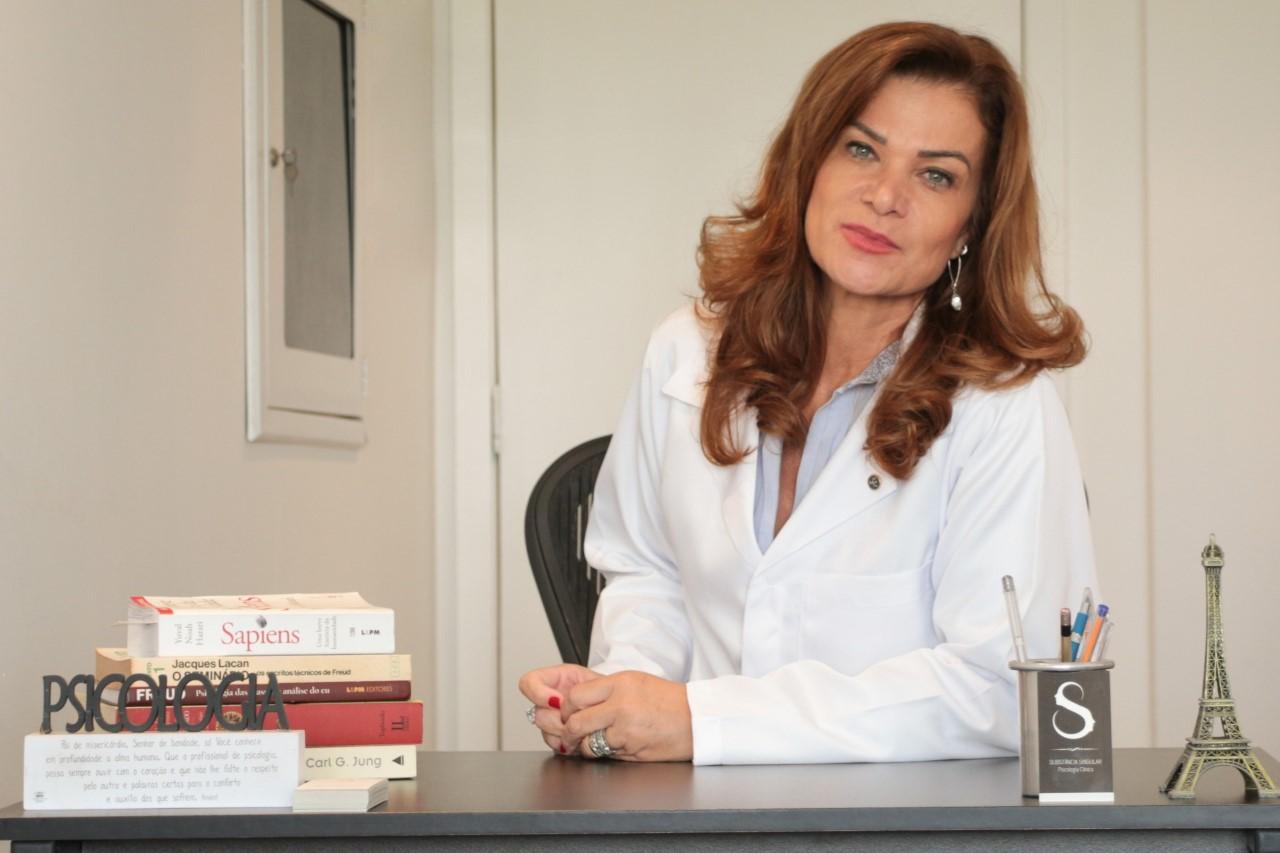Psicóloga revela aumento dos atendimentos online devido ao pânico gerado pela pandemia do coronavírus