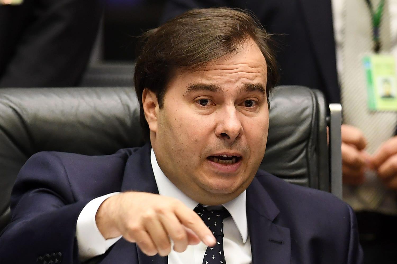Rodrigo Maia impede votação de recurso do fundão para enfrentamento da Covid-19