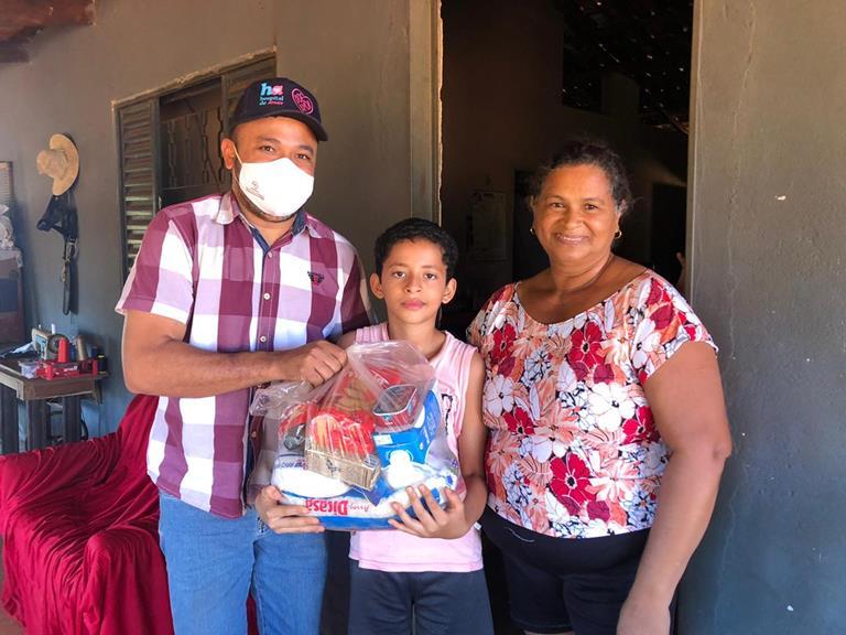Prefeitura de Cristalândia beneficia alunos da zona rural na 2ª etapa da distribuição de cestas básicas