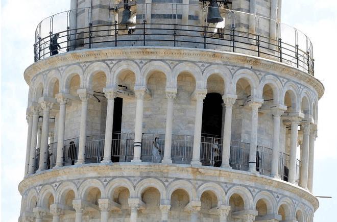 Depois de quase três meses, Torre de Pisa é reaberta durante pandemia