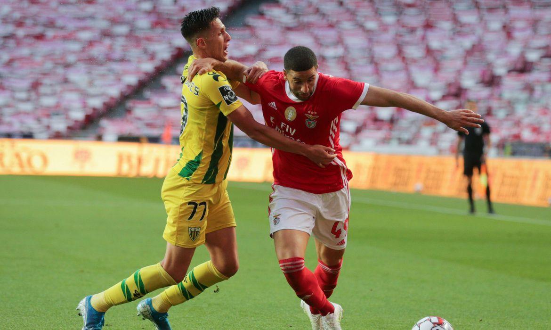 Benfica empata com Tondela e não alcança a liderança do Português