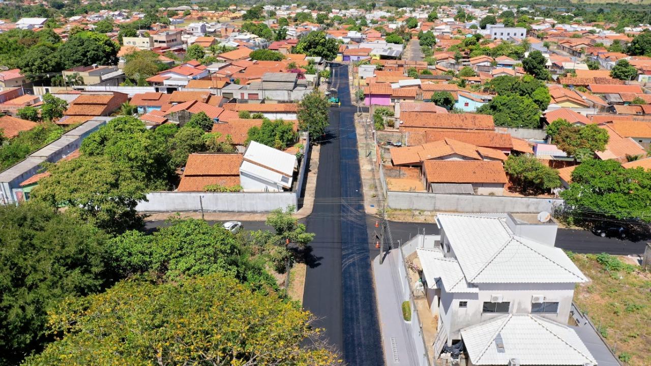 Prefeitura de Araguaína alerta para interdições em ruas com obras de asfalto nos bairros