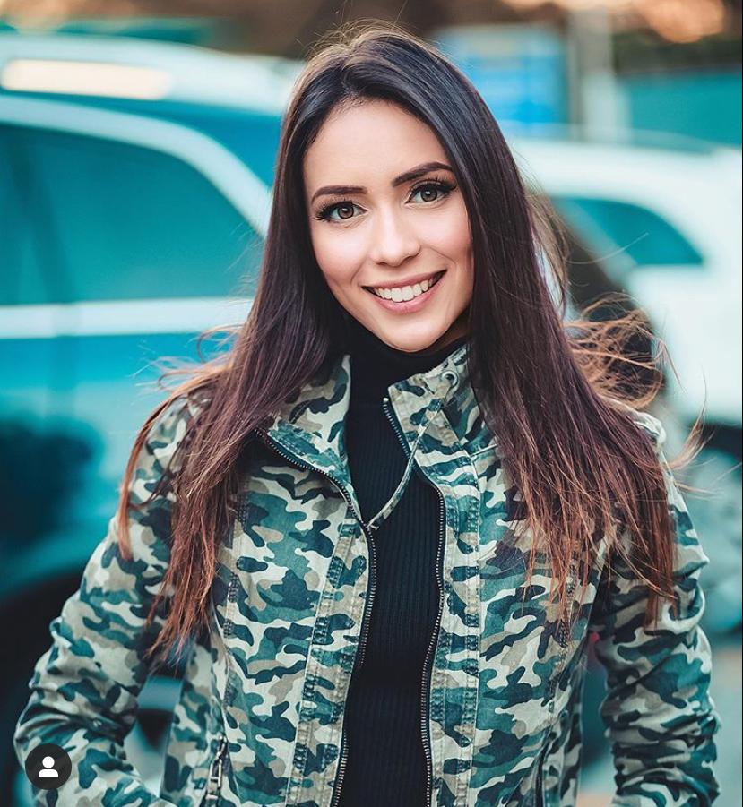 Modelo paulistana, Carol Catuaba chama atenção por estilo único