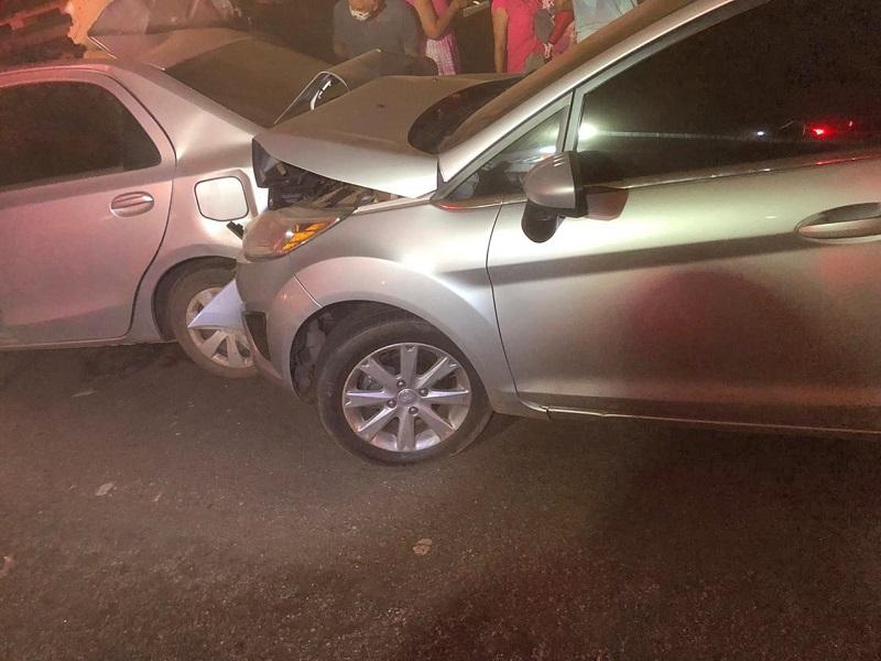 Colisão envolvendo três veículos deixa feridos em Porto Nacional