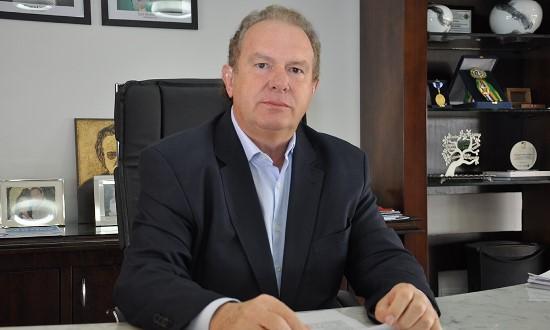 Governador Carlesse sanciona lei que estabelece pagamento de indenização financeira e de plantão a profissionais da Saúde que atuam no combate à Covid-19