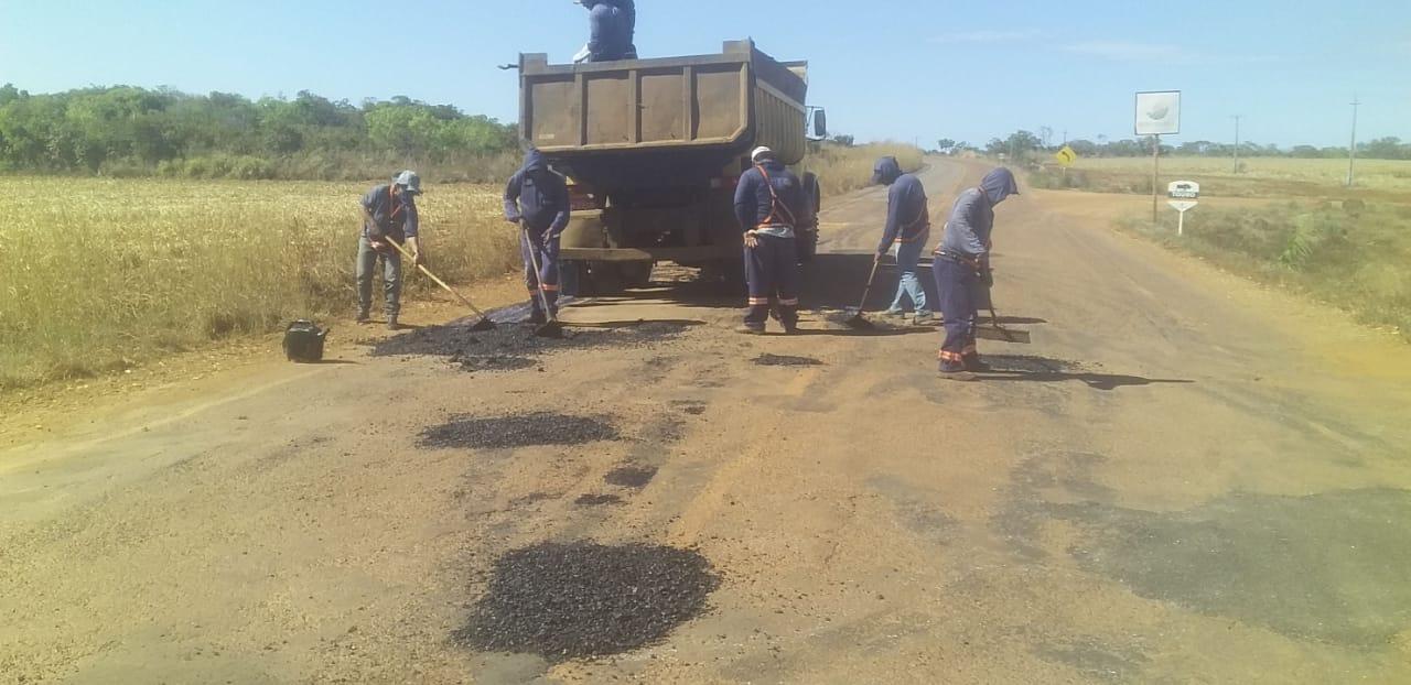 Governo do Tocantins faz manutenção em rodovias na região central do Estado
