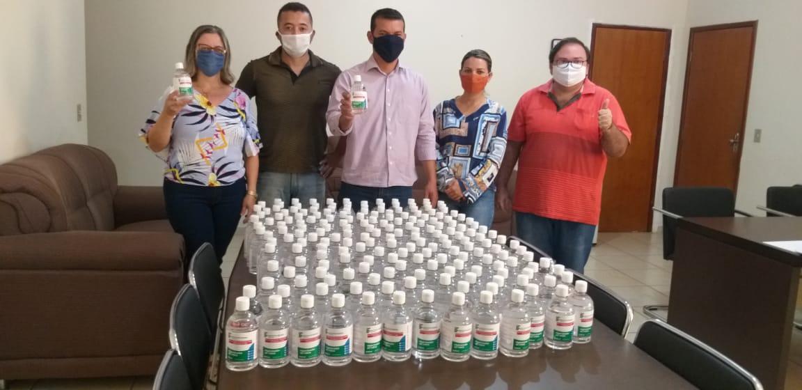 Marianópolis recebe doação de álcool em gel produzido pelo IFTO