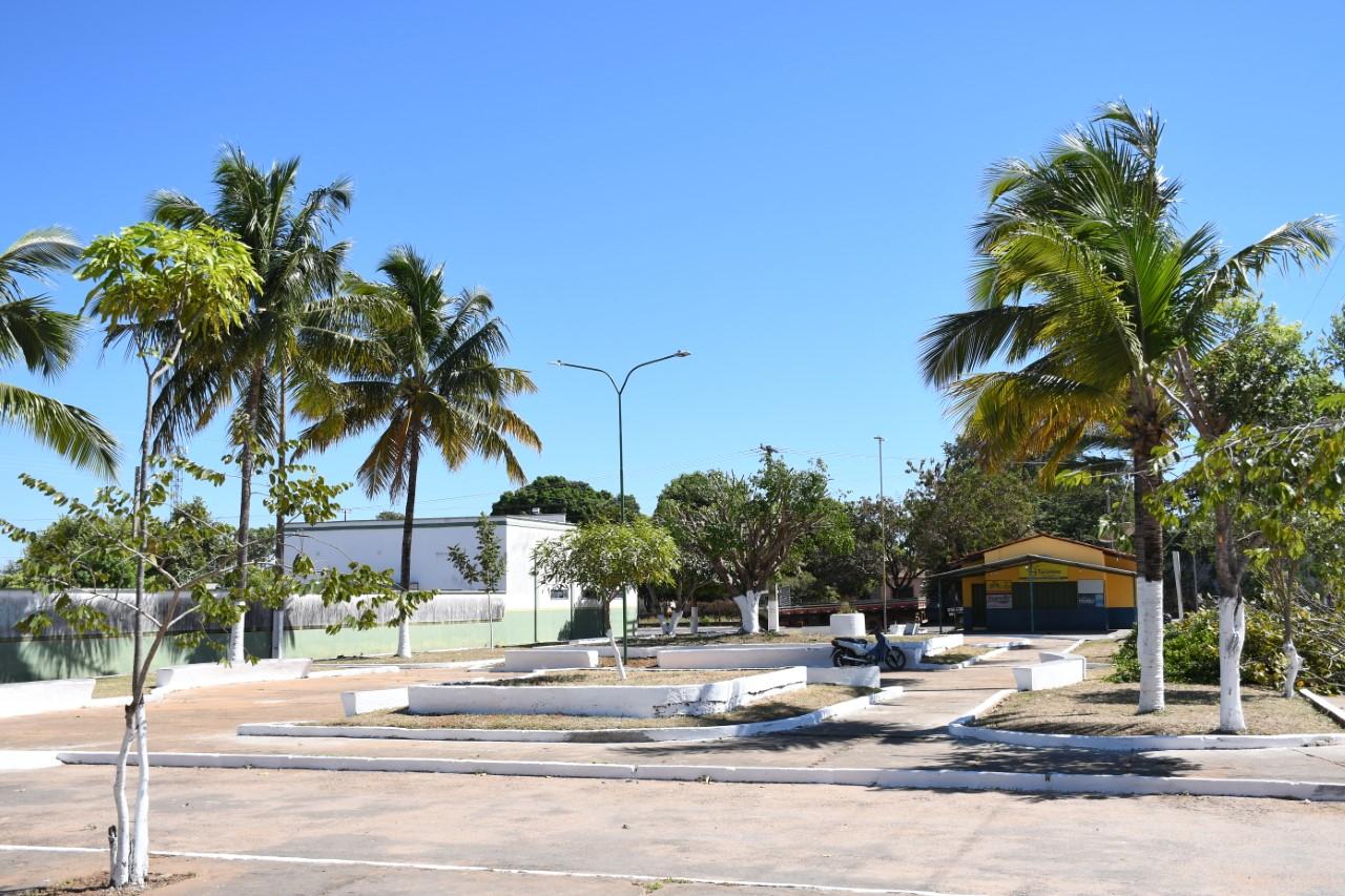 Praça da Saudade em Paraíso recebe iluminação com luminárias de led