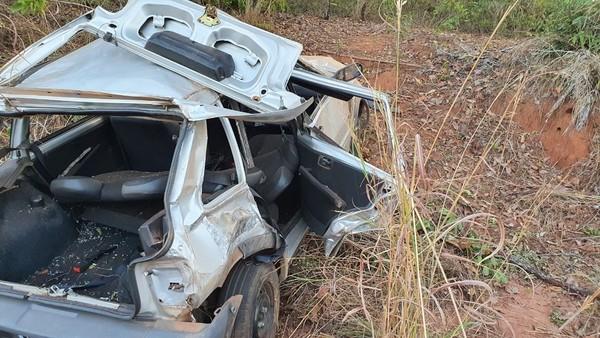 Idoso capota carro e morre na BR-230, em Araguatins; neto que estava em outro veículo viu o acidente acontecer