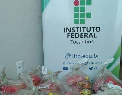 IFTO entrega cestas básicas a estudantes em Paraíso do Tocantins
