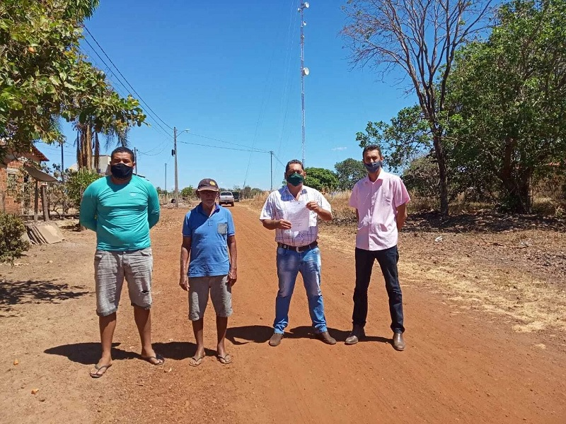 Prefeito Florisvane garante mais uma etapa de pavimentação asfáltica do Setor Fernandinho, em Divinópolis