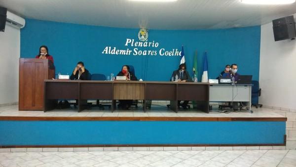 Em eleição indireta após morte de dois prefeitos interinos, Irene Rodrigues é eleita prefeita de Araguanã