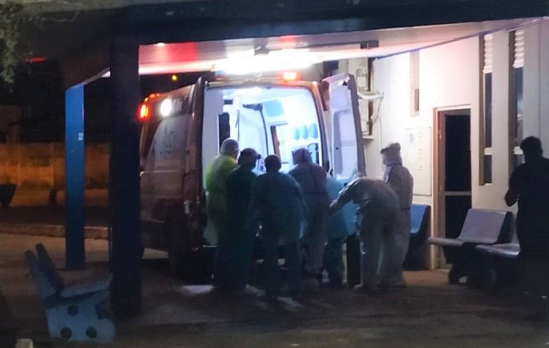 Paciente obeso com quadro grave de covid-19 é transferido para UTI em Palmas