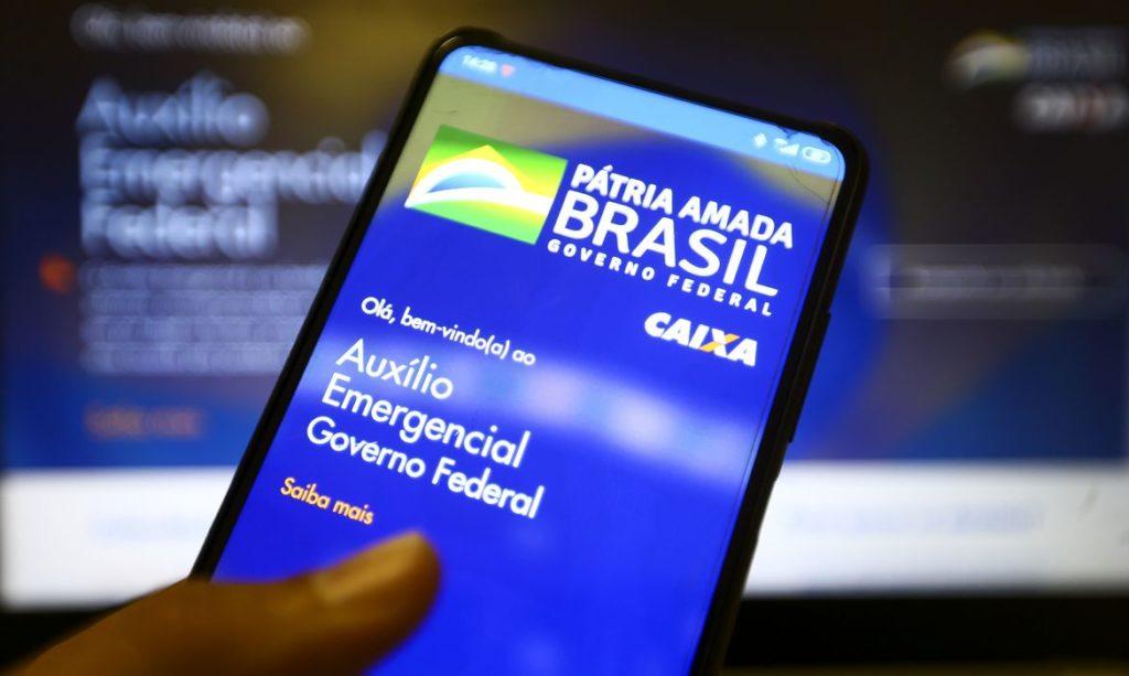 Caixa paga novas parcelas do auxílio emergencial a 5,6 milhões de beneficiários