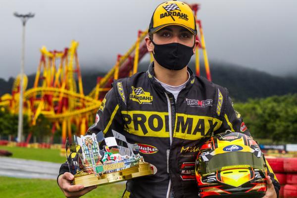 Pedro Aizza conquista o tetracampeonato do Sul-Brasileiro de Kart