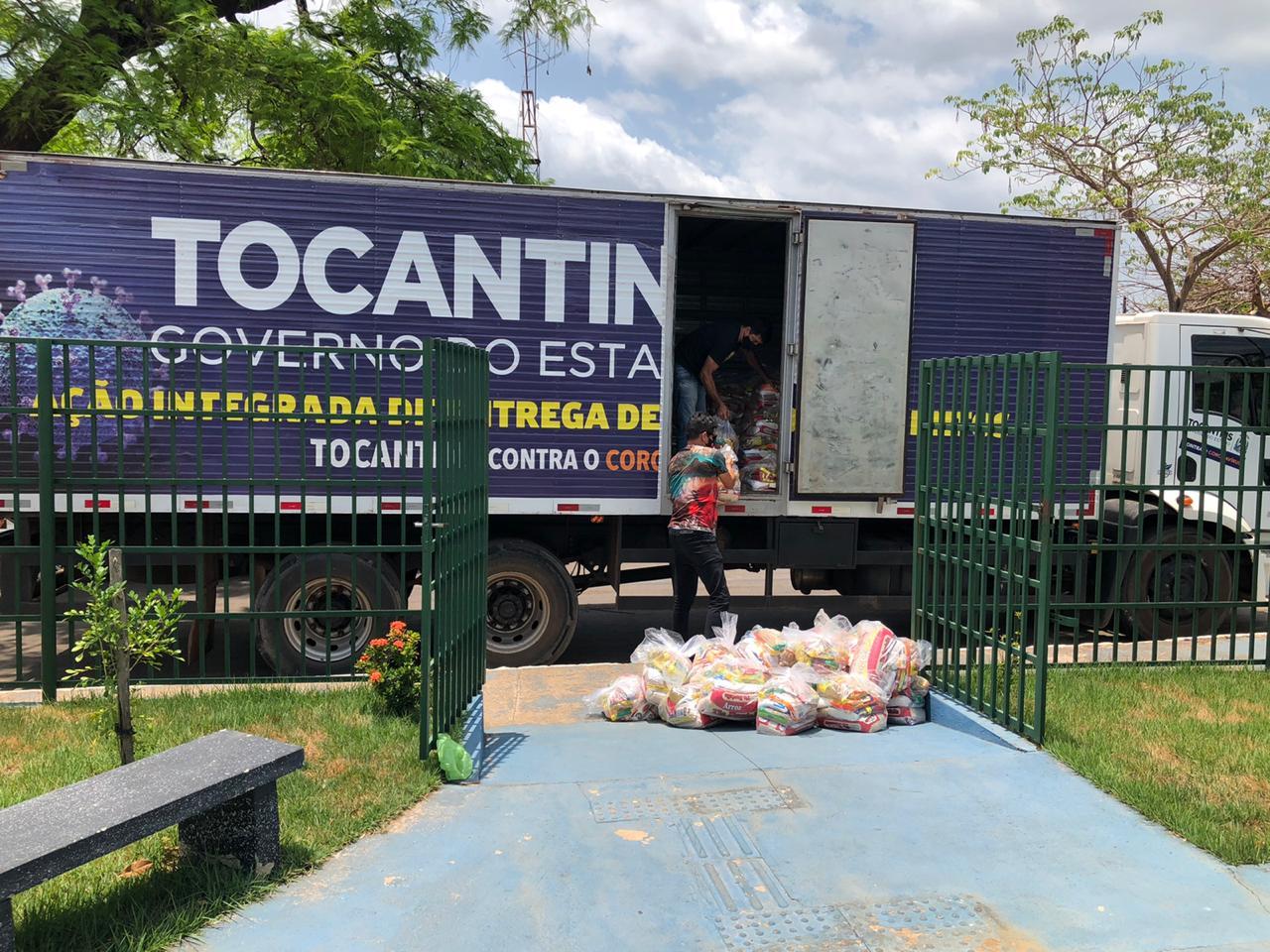Governo do Tocantins atende mais de 9 mil famílias  em mais uma etapa de entrega de cestas básicas