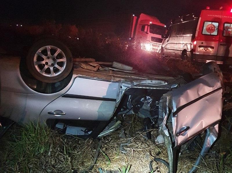 Duas pessoas morrem em acidente na BR-153; criança de 7 anos é uma das vítimas