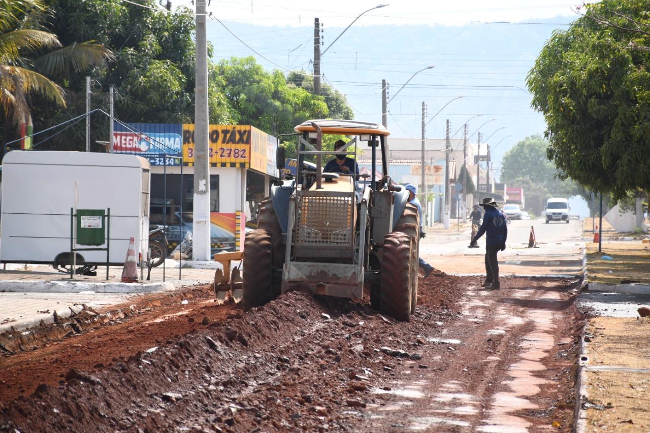Obras de recapeamento e pavimentação asfáltica chegam à região sul de Paraíso